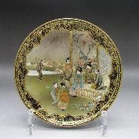金襴手瑠璃地芸者文飾皿