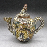 瑠璃地金襴手芸者文四面花瓶一対