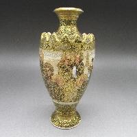 金襴手人物風俗文花瓶