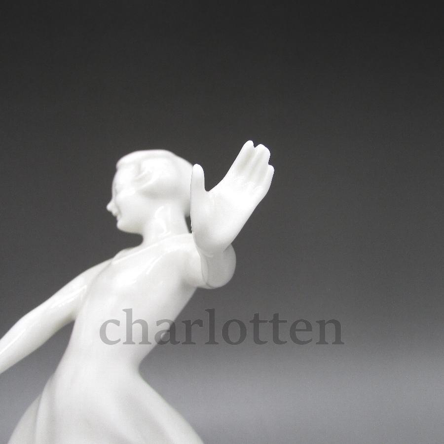 フッチェンロイターの磁器人形 [ u5363-3 ]